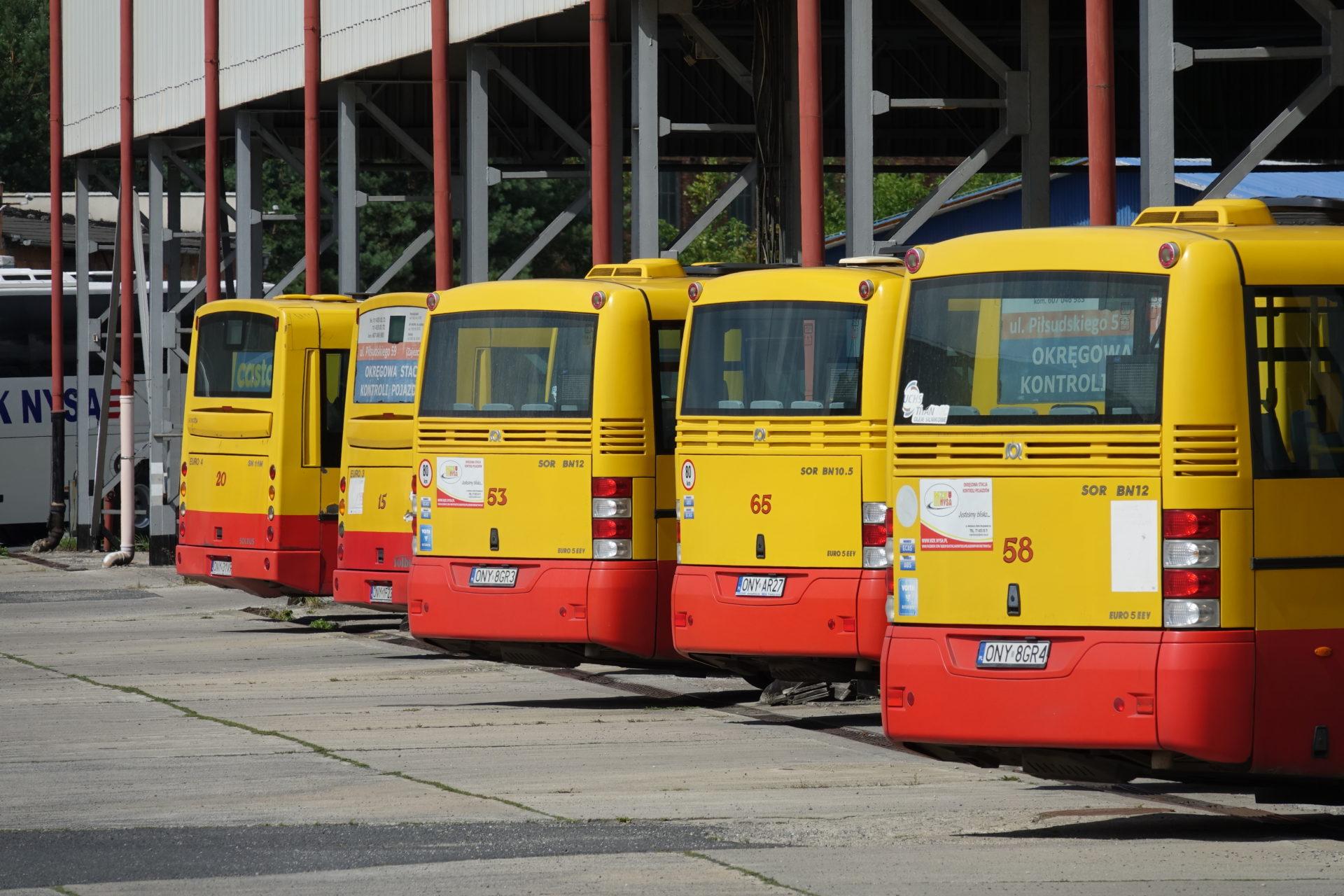 Zwiększenie limitu pasażerów w miejskich autobusach