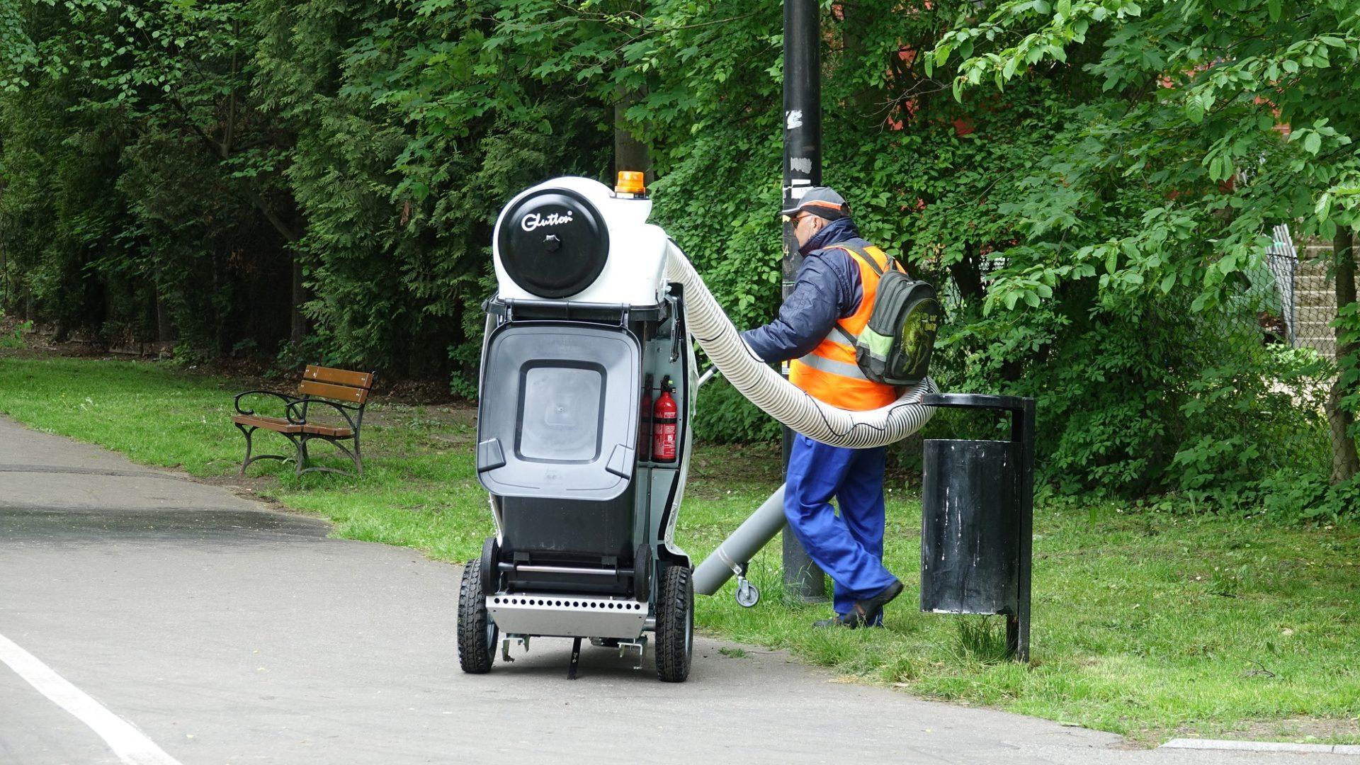 CIS z nowym sprzętem do sprzątania ulic