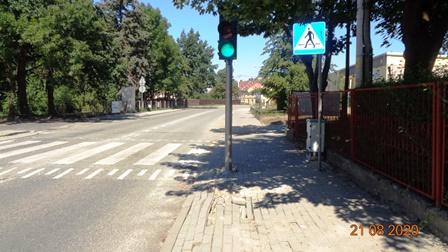 Uszkodzony chodnik
