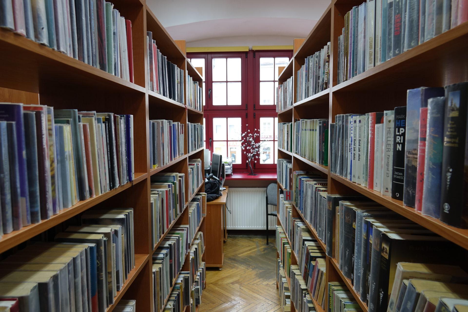 Godziny otwarcia miejskiej biblioteki od 1 września