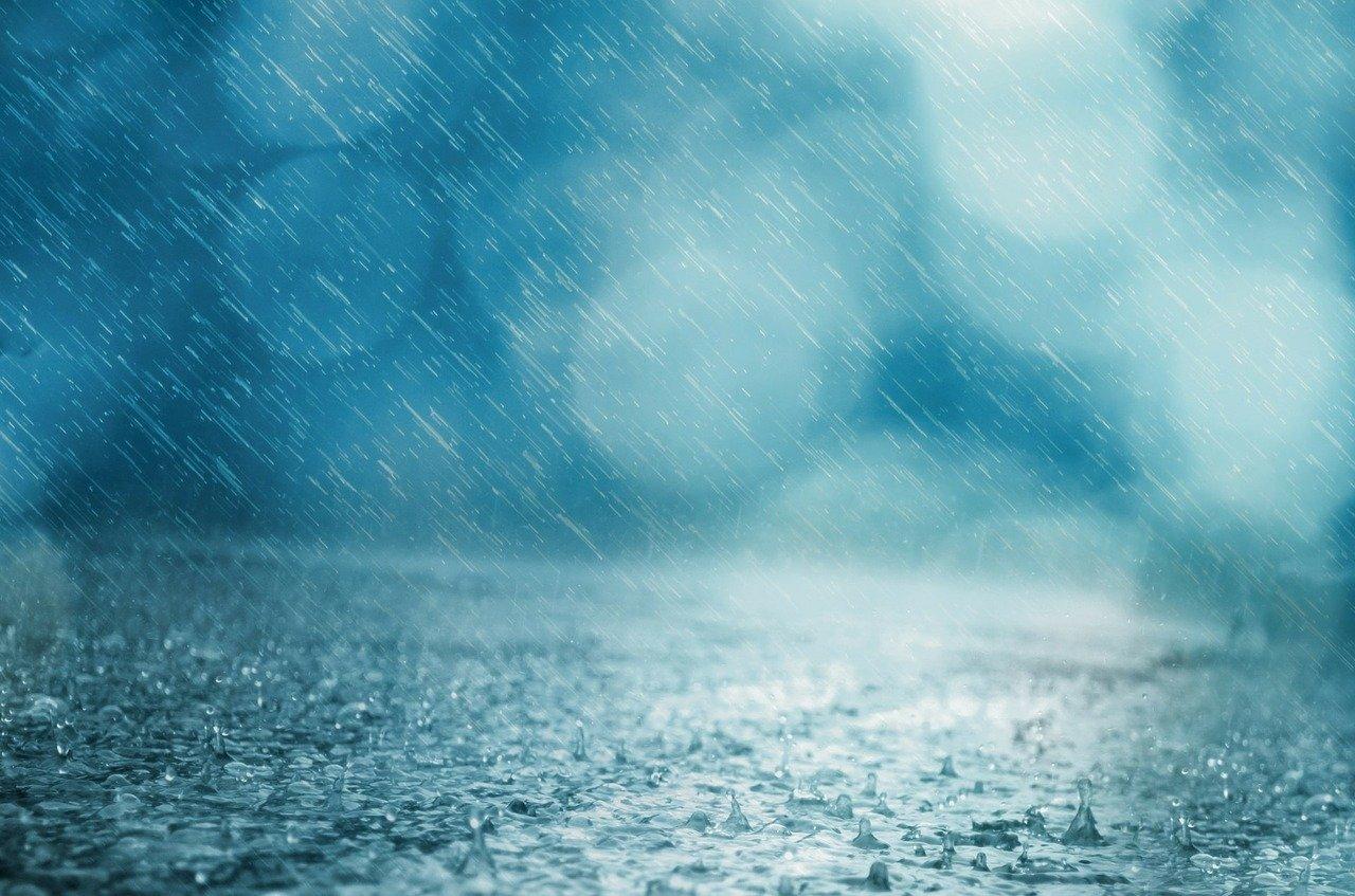 Komunikat meteo – silny deszcz z burzami