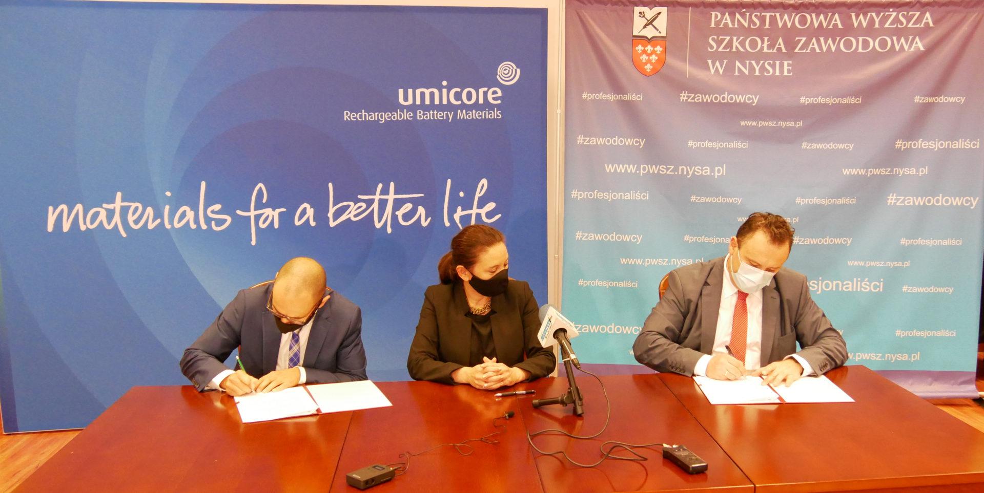 PWSZ w Nysie i Umicore podpisały umowę o współpracy