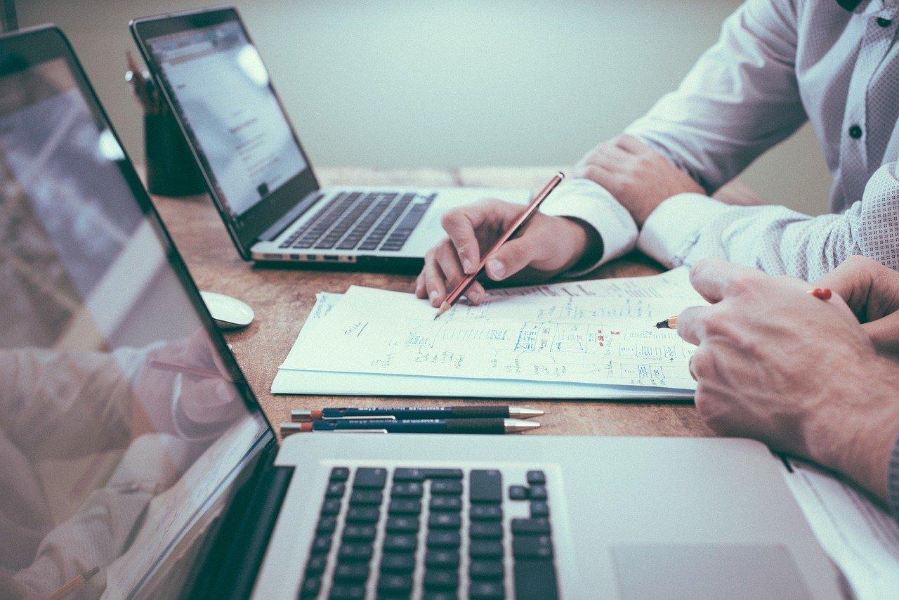 Webinarium – Wsparcie na zakładanie działalności gospodarczej dla osób poniżej 30 roku życia