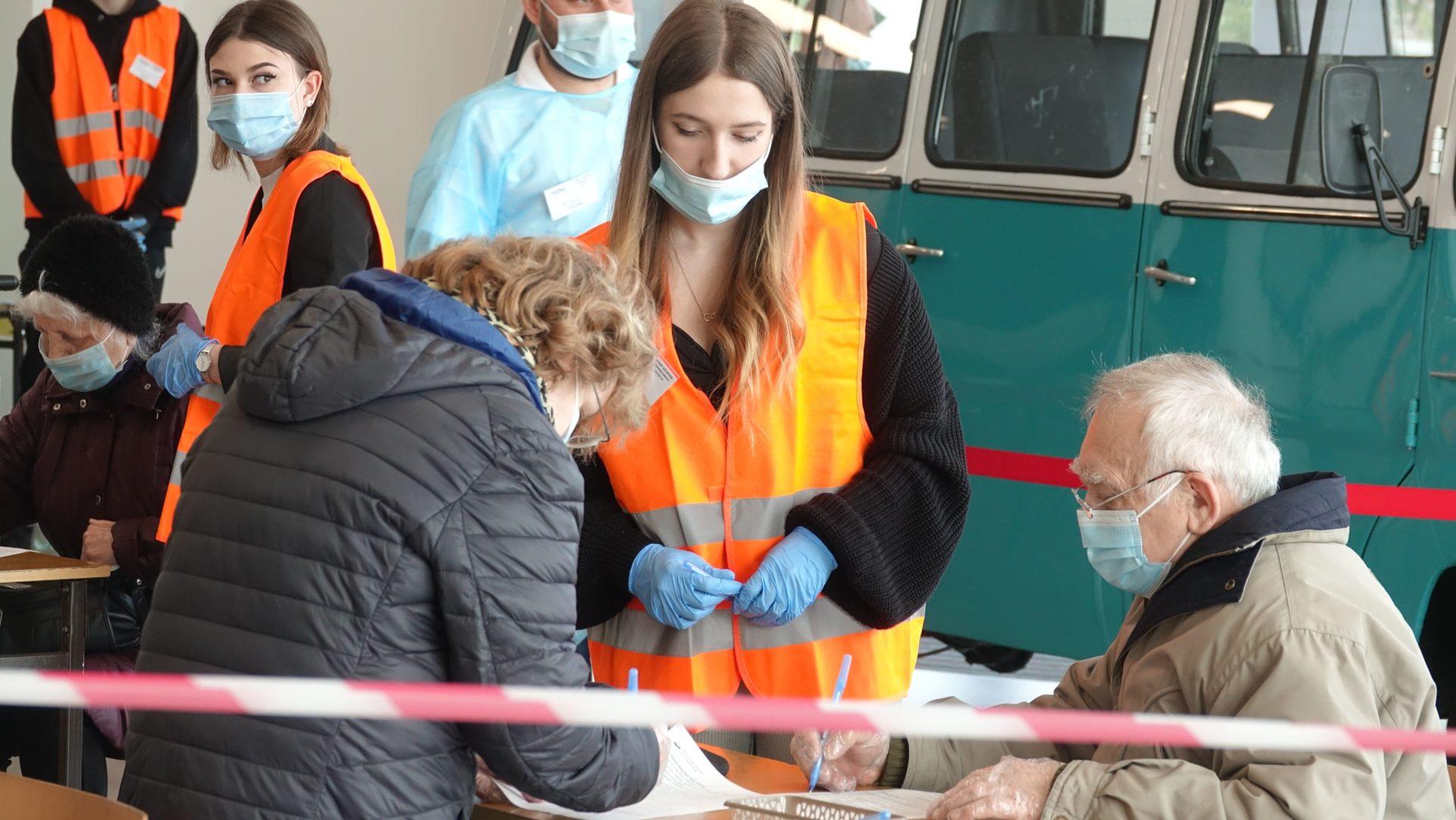 RuszyBy szczepienia w Hali Nysa. W maju zaszczepimy si równie| w NDK
