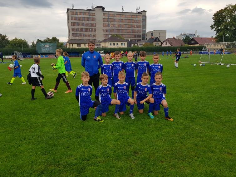 Udział nyskich piłkarzy z Nysy w turnieju piłkarskim w Szumperku